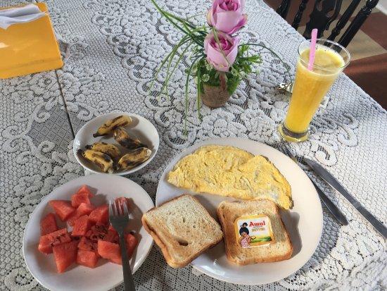 Hotel White Rose: Yummy breakfast!