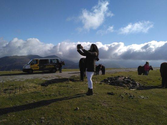 Elizondo, Spanje: En Gorramakil a 1.087 metros dejamos algunas nubes abajo.
