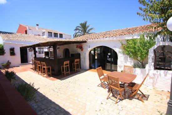 San San, Espagne : Zona bar, cocina, batbacoa y terraza