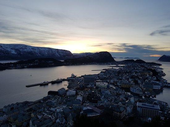 Ny Alesund Photo