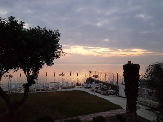 ‪‪Ron Beach Hotel‬: Sunrise at Sea of Galilee‬