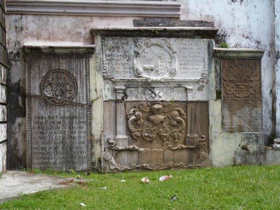 Wolvendaal Church: Memorial stone sin the churchyard