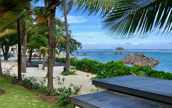 Zoetry Montego Bay Jamaica: Beautiful beach - feeling of private luxury. Plenty of room to find your spot to relax.