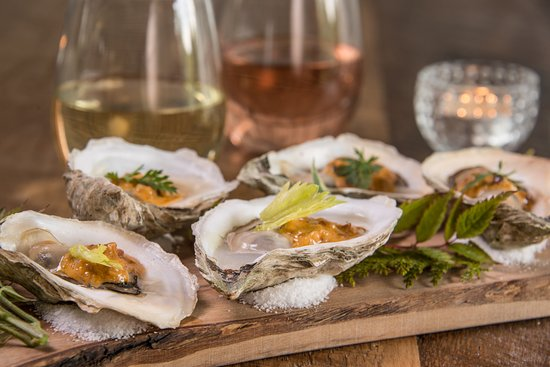 New Harbor, ME: Fresh, local oysters...need we say more?