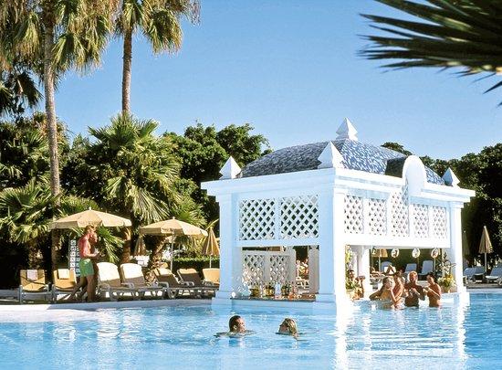 Clubhotel riu paraiso lanzarote resort puerto del carmen for Trouver 1 hotel