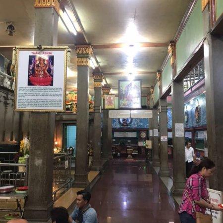 Mariamman Hindu Temple: photo5.jpg