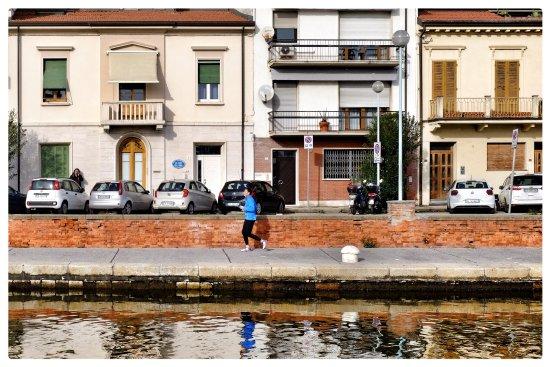 Facciata esterna picture of la casa sul molo viareggio - Facciata esterna casa ...
