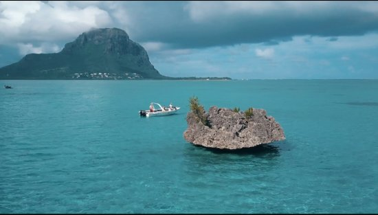 Le Morne: Snorkling at Crystal Rock