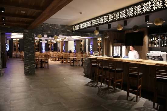 Restauracja- antresola - Picture of Dwor Kukuczka, Istebna ...