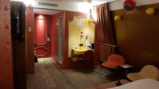20180123 174756 picture of idol hotel paris tripadvisor. Black Bedroom Furniture Sets. Home Design Ideas