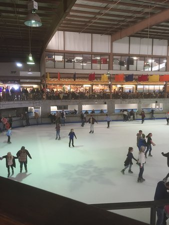 Ober Gatlinburg Amusement Park & Ski Area : Ice Skating