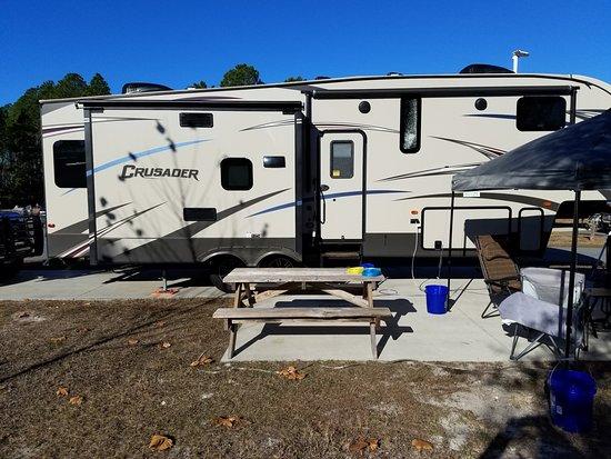 Cedar Key RV Resort: One side of the site