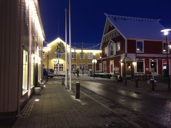 CenterHotel Plaza: Street near hotel