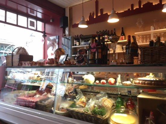 Osteria Bolognese : Inside the restaurant