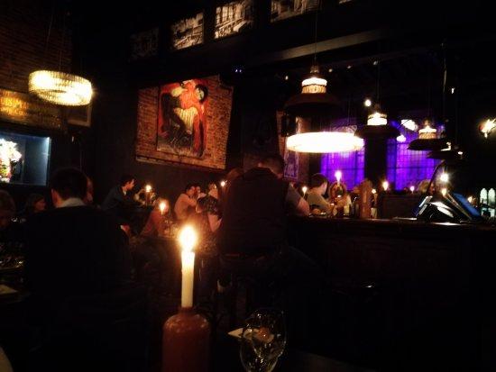 't Zwart Huis: Intérieur du restaurant depuis notre table
