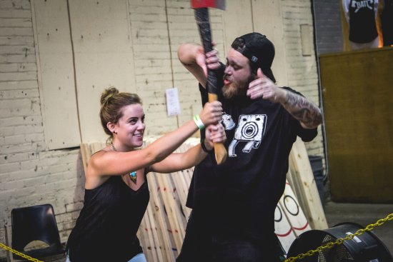 Squamish, Canada: BATL Axe Throwing