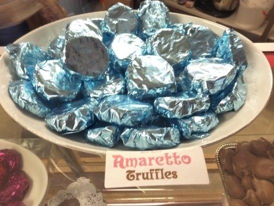 Tenino, WA: Amaretto Truffles