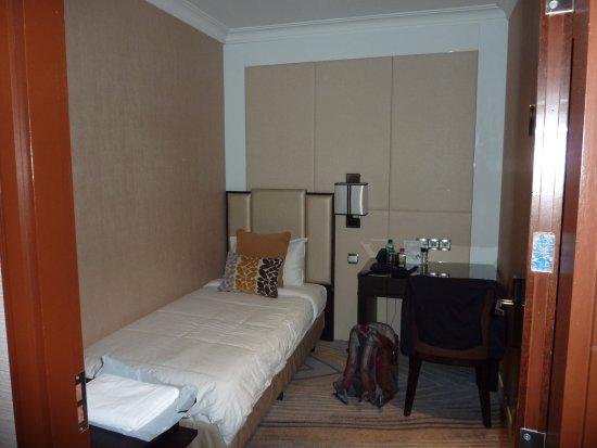 Ambassador Transit Hotel Terminal 2: Einzelzimmer