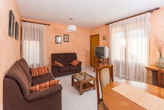 Lola Y Javi Lo Hacen En El Bano.Apartamentos Casa Lola Prices Condominium Reviews