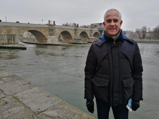 Old Stone Bridge: El puente.