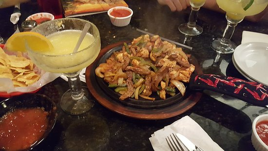 Garibaldi Mexican Restaurant: Sharing a Fajitas for Two with happy hour Margaritas