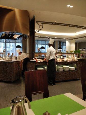 The Westin Grand Frankfurt: Breakfast area