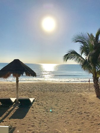 Le Reve Hotel & Spa Boutique Beachfront : Amanecer