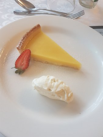Macedon Ranges Hotel & Spa: Lemon tart