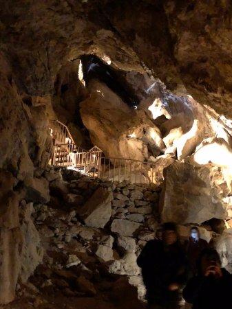 Essex, Kalifornien: El Pakiva Cavern