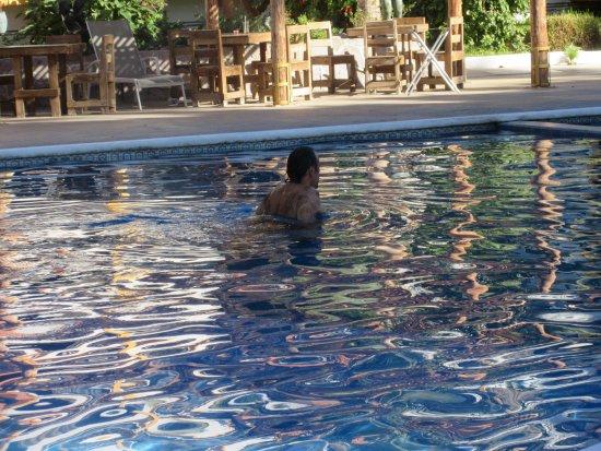 La Concha Beach Resort: taking a dip