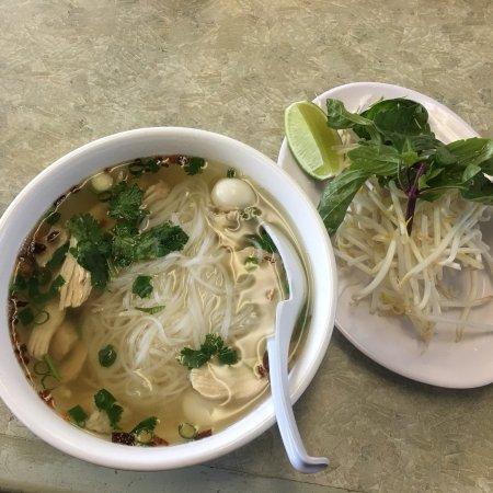 Pho 7 Vietnamese Restaurant: photo0.jpg