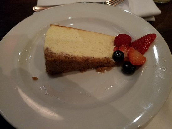 City Cellar Wine Bar & Grill : Had to end the delightful meal with some cheesecake & hot coffee!