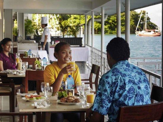 Lami, Fiyi: Restaurant