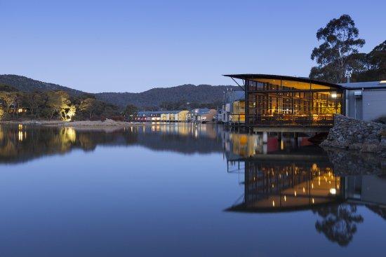 Crackenback, Australien: Cuisine Restaurant at night