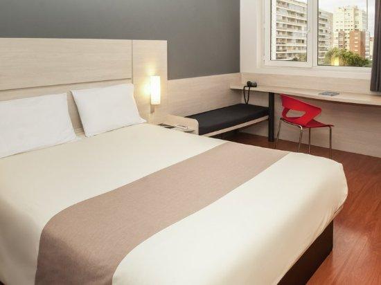 Ibis Montevideo: Guest room