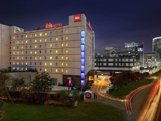 ibis Gurgaon Golf Course Road - An AccorHotels Brand : Exterior