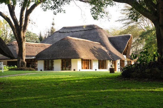 THE MAIN NGORONGORO FARMHOUSE WHICH HOLDS THE RESTAURANT TANZANIA ...