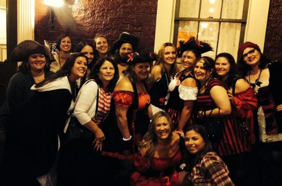 Haunted Pub Crawl Guided Walking Tour of Historic Annapolis