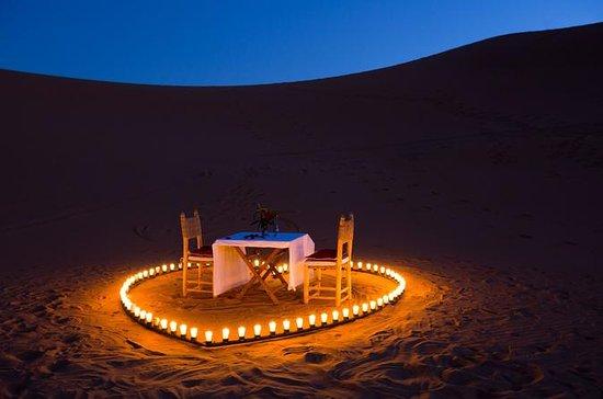Dîner romantique dans le désert du...