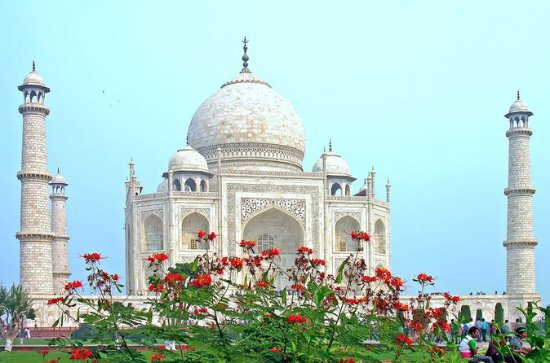 Private Majestic Tour of Taj Mahal In 1...