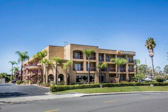 Laguna Hills, CA: Exterior