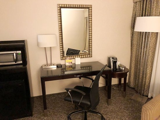 Guest room amenity picture of holiday inn westbury carle place tripadvisor for Springhill suites carle place garden city