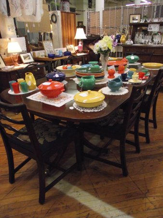 CABOT MILL ANTIQUES - DEALER DISPLAY #5 - FIESTA WARE