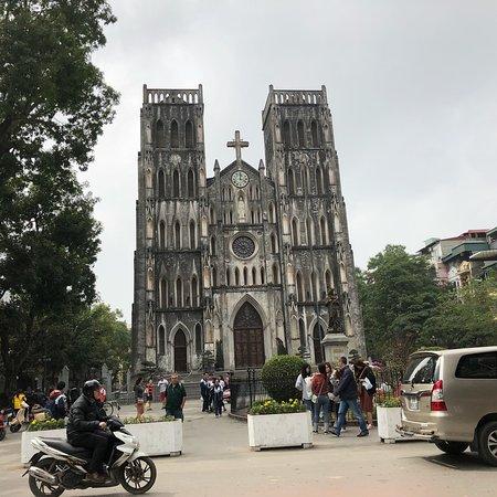 Hanoi Daily Tours