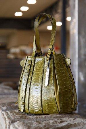 Klein Karoo Ostrich Emporium: Green handbag