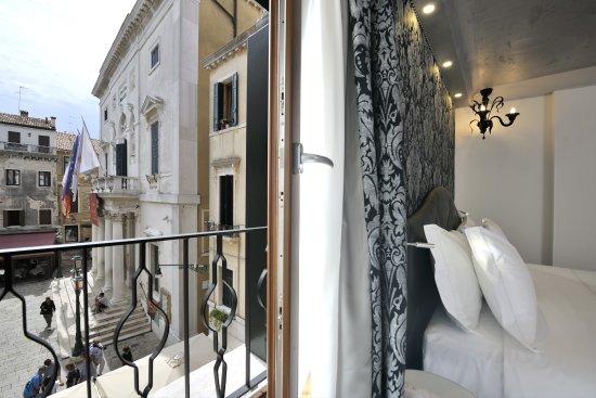 Venedig konst och kaffe i nyrenoverat palats