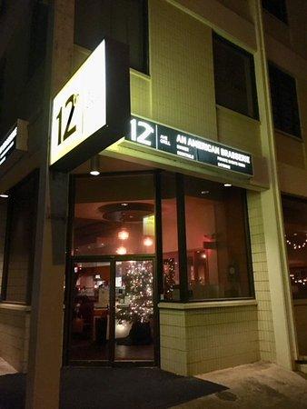 カイムキの有名店です picture of 12th avenue grill honolulu