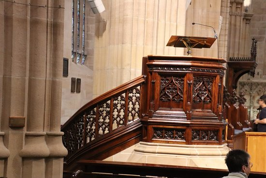 St. Andrew's Cathedral : A close up on the preacher's chair