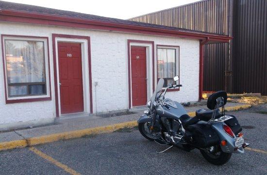 Redwood motor inn 2 brandon for Brandon motor lodge brandon fl