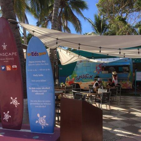 Sunscape Dorado Pacifico Ixtapa: Bel hôtel, personnel super gentil et très efficace, chambre assez grande, nourriture très bonne